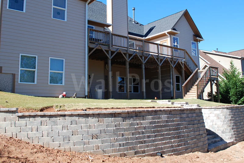 stonegate retaining wall with stairs